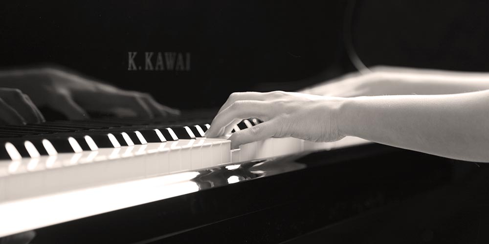 Piano Lessons ideal for people living around East Grinstead, Forest Row, Copthorne Crawley, Down Lingfield, Dormansland, Oxted, Felcourt, Holtye, Ashurst, Wood Godstone, Turners Hill and Ardingly.